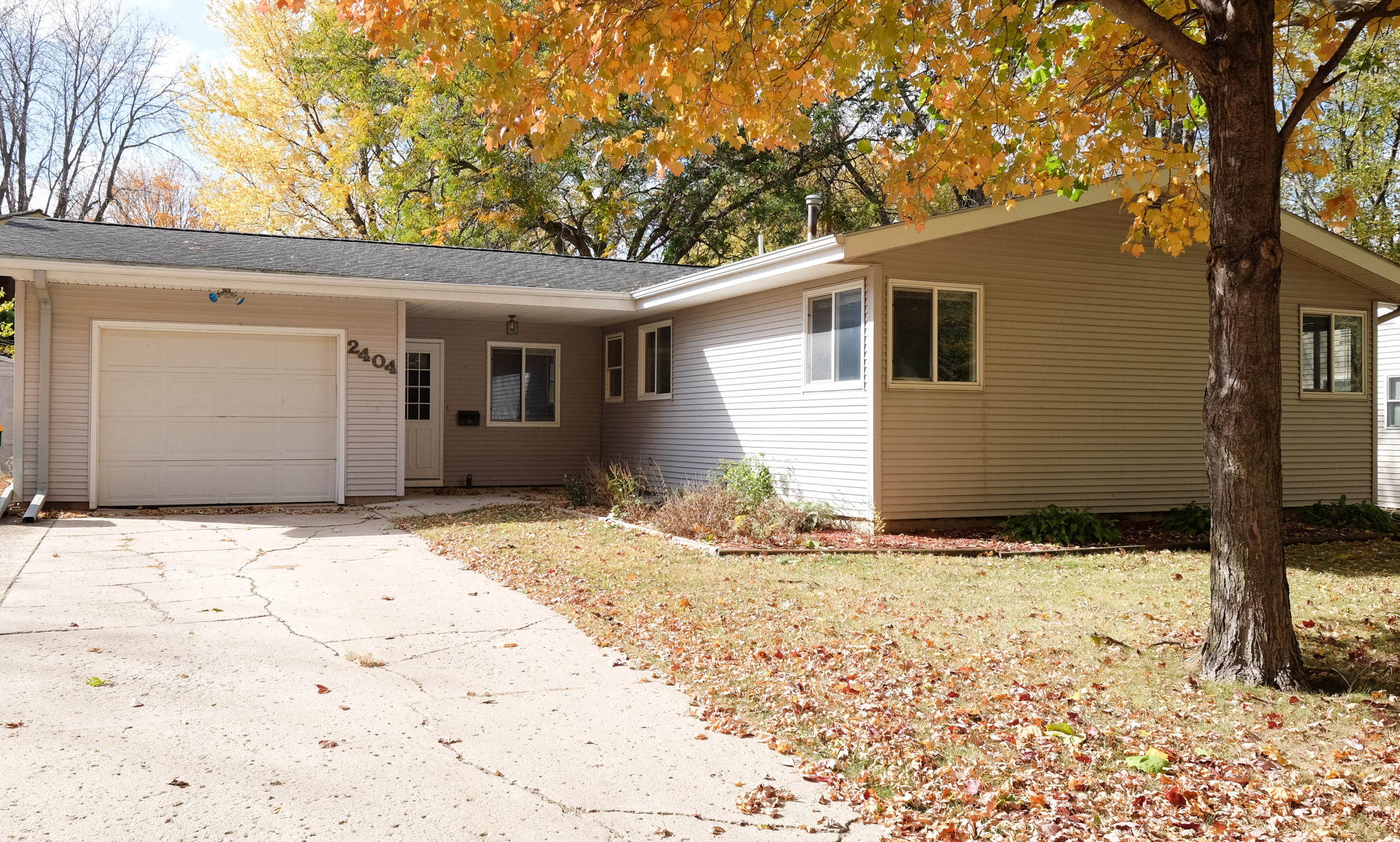 Great Home in the Heart of Spirit Lake!